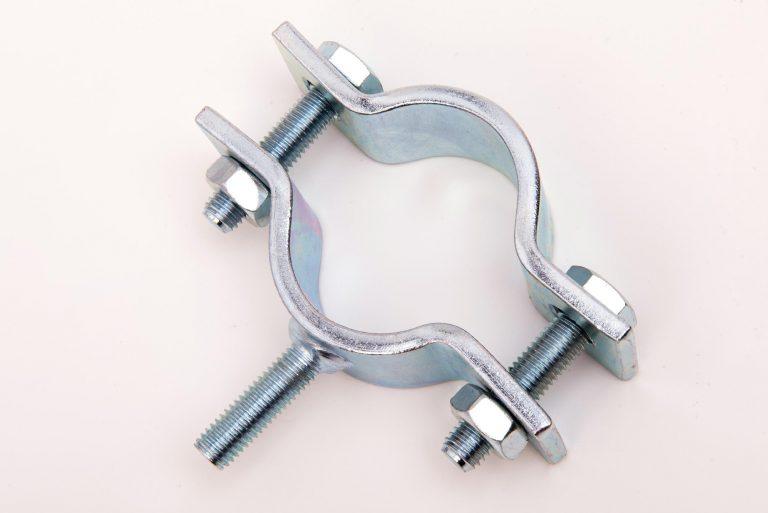 Rohrschelle mit Gewindeanschluss